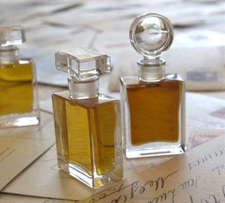 Духи и деловой этикет, как выбрать аромат для деловой встречи