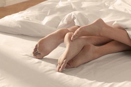Врозь или вместе: должны ли супруги спать в одной постели