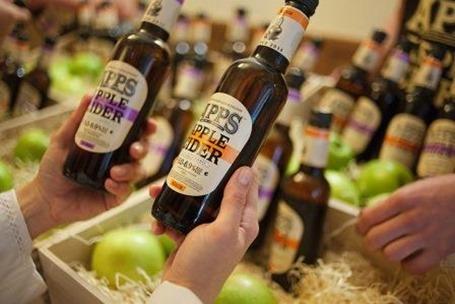 Выбираем летний алкогольный напиток: вкусный, полезный, некалорийный