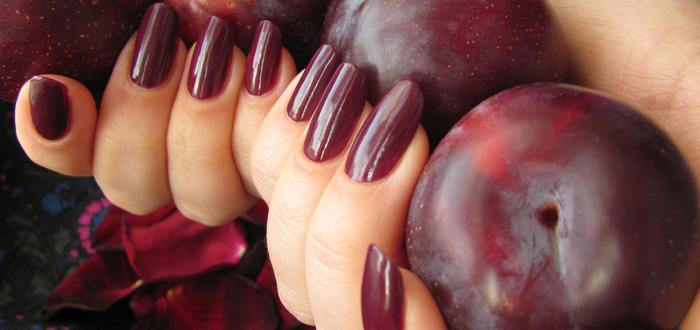 Ногти цвета сливы