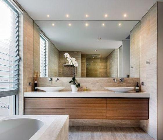 Почему следует выбирать натяжные потолки для ванной комнаты
