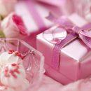 Подарок женщине к дню рождения — выбираем правильно